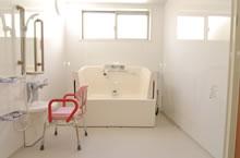 個浴型介護浴槽